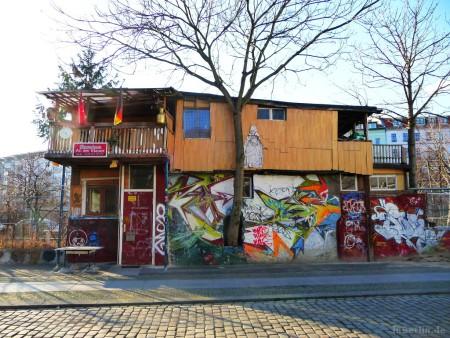 Mauer Baumhaus