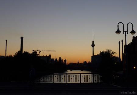 Berliner Sommerabend mit Blick zum Fernsehturm