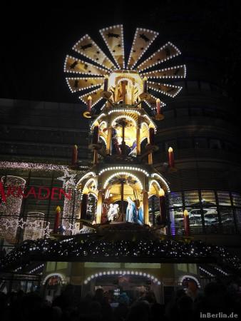 Berliner Weihnachtspyramide am Potsdamer Platz