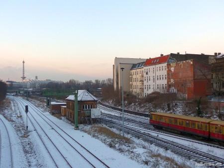 Berliner Winter - Blick zum S-Bahn Gleisbett
